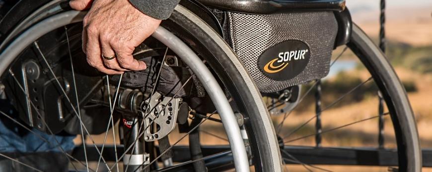 Elegir las medidas correctas de la silla de ruedas